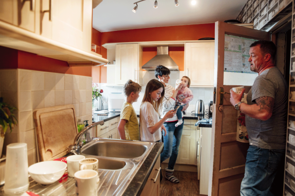Tips for Managing the Stress of Social Distancing as a Family